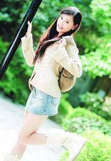 黄依夏可写真图片