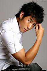 尹泰英写真图片