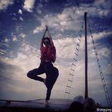 組圖:天后海邊練瑜伽?王菲曬和李嫣海邊美照圖片