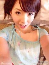 美奶裸体_组图:波多野结衣全裸按奶球 性感美照曲线傲人